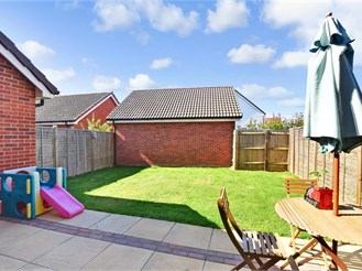 3 bedroom semi-detached house in Langley, Maidstone