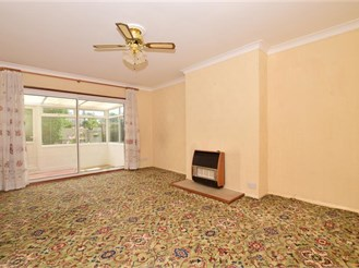 2 bedroom semi-detached bungalow in Istead Rise