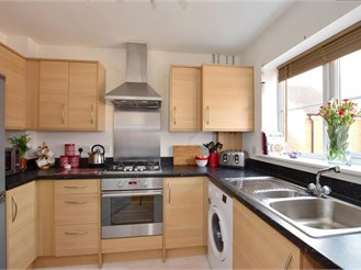 2 bedroom terraced house in Kingsnorth, Ashford