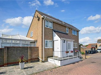 4 bedroom detached house in Cliftonville, Margate