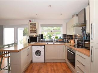 4 bedroom semi-detached house in Wigmore, Gillingham