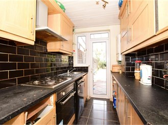 3 bed terraced house in East Ham, London