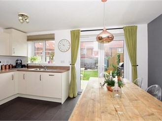 4 bedroom semi-detached house in Broadstairs