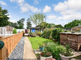 2 bedroom end of terrace house in Snodland, Kent