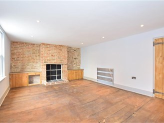 2 bedroom end of terrace house in Broadstairs