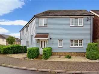 4 bedroom semi-detached house in Chattenden, Rochester