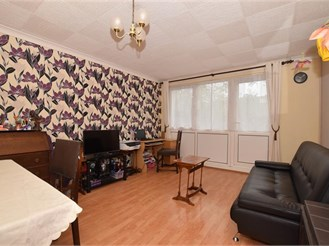 2 bedroom ground floor maisonette in London SE18
