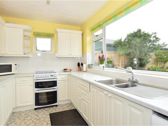 4 bedroom detached bungalow in Herne Bay