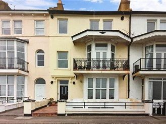 1 bedroom first floor converted flat in Hythe