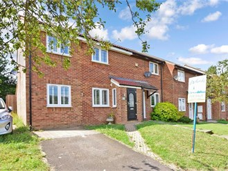 3 bedroom end of terrace house in Hartley, Longfield