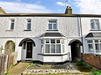 3 bedroom terraced house in Queenborough