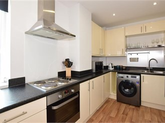2 bedroom fourth floor apartment in Erith