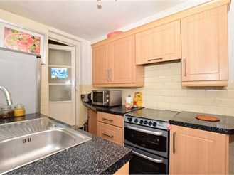 3 bedroom terraced house in Erith