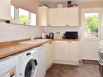 2 bedroom semi-detached house in Canterbury