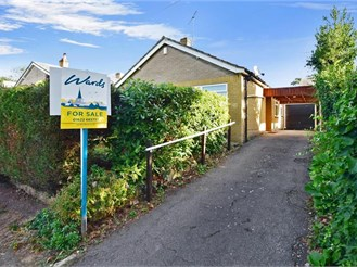 3 bedroom detached bungalow in Maidstone