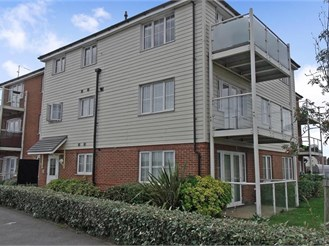 2 bedroom top floor flat in Dartford