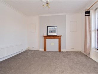 1 bedroom second floor converted flat in Cliftonville, Margate