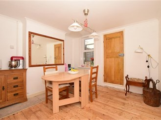2 bedroom end of terrace house in Halling, Rochester