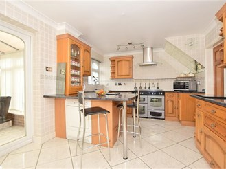 3 bedroom end of terrace house in Parkwood, Gillingham