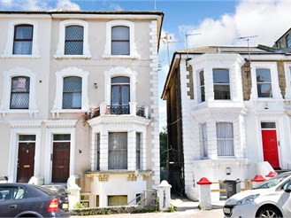 1 bed second floor converted flat in Cliftonville, Margate