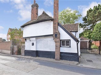 3 bed character property in Frindsbury, Rochester