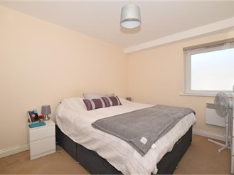 2 bedroom first floor apartment in Ashford
