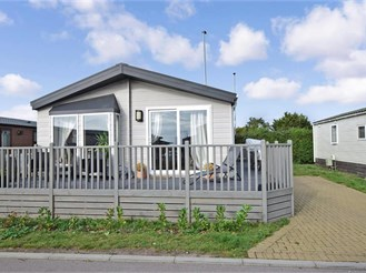 2 bedroom mobile home in Portsmouth