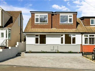 5 bedroom chalet bungalow in Wigmore, Gillingham