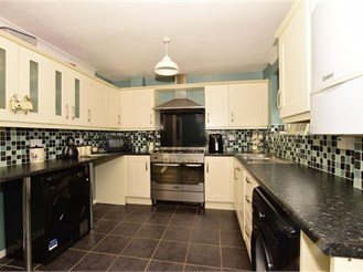 3 bedroom terraced house in Bearsted, Maidstone