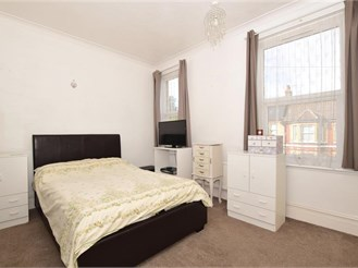 2 bedroom end of terrace house in Margate