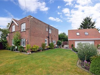 5 bedroom detached house in St Nicholas At Wade, Birchington