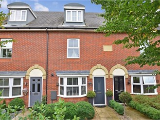 3 bedroom town house in Sittingbourne