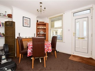 2 bedroom end of terrace house in Deal