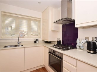 3 bedroom semi-detached house in Broadstairs