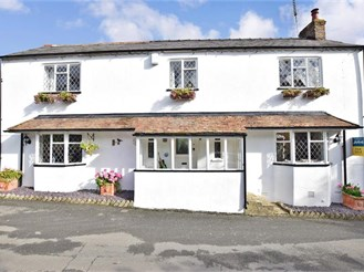 3 bedroom detached house in Ringwould, Deal