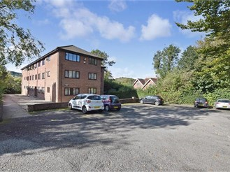 1 bedroom top floor flat in River, Dover