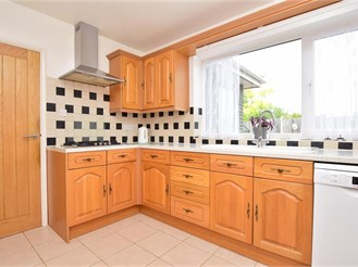 3 bedroom detached house in Whitstable