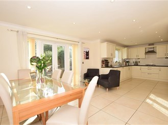 4 bedroom detached house in Weavering, Maidstone