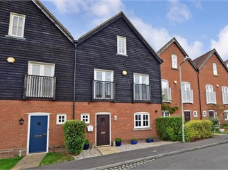 4 bedroom terraced house in Ash, Canterbury