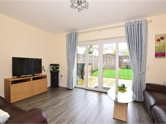 4 bedroom end of terrace house in Halling, Rochester