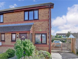 2 bedroom semi-detached house in Lydd