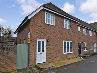 2 bedroom end of terrace house in Bethersden, Ashford