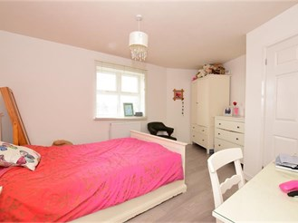 2 bedroom second floor flat in Ilford