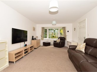 4 bedroom detached house in Burham, Rochester