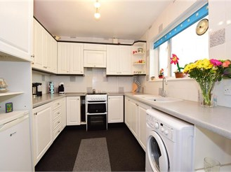 3 bedroom terraced house in South Ockendon