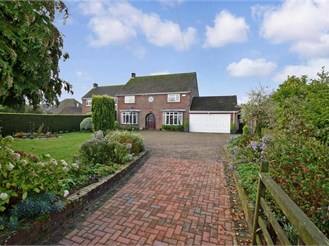 4 bedroom detached house in Whitfield, Dover