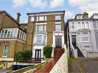 2 bed ground floor converted flat in Broadstairs