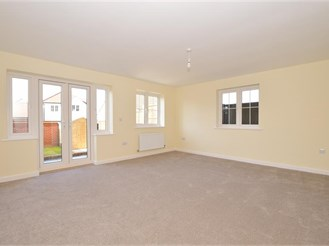 4 bedroom end of terrace house in Finberry, Ashford