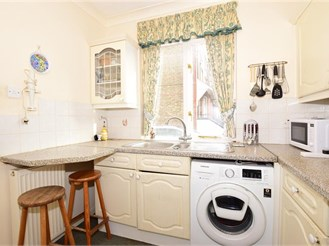 3 bedroom semi-detached house in Westgate-On-Sea