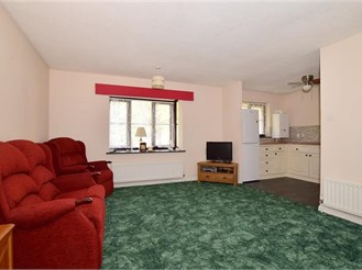 2 bedroom first floor apartment in Eynsford